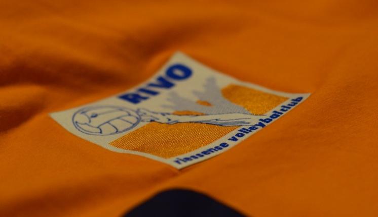 Foto bij Nieuwe Kleding Rivo Rijssen met tijden kleding passen